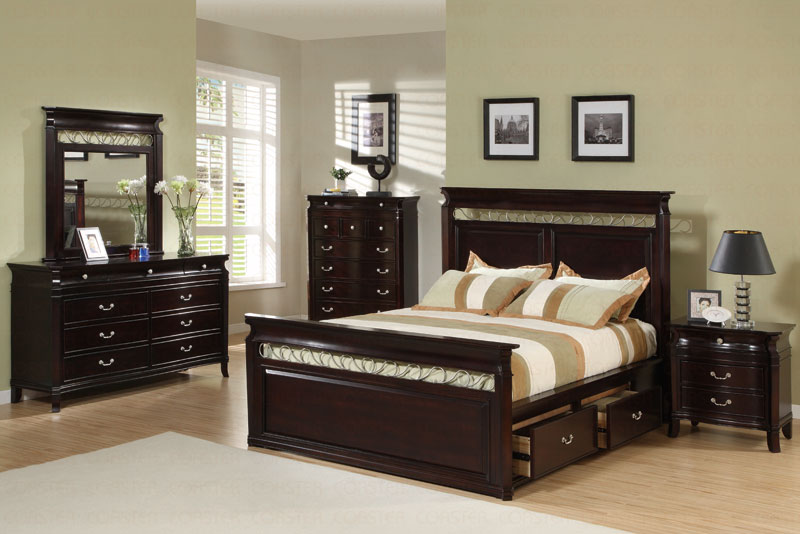 On The ESPRESSO CUSTOMIZABLE MANHATTAN PANEL BEDROOM SET QUEEN SIZE